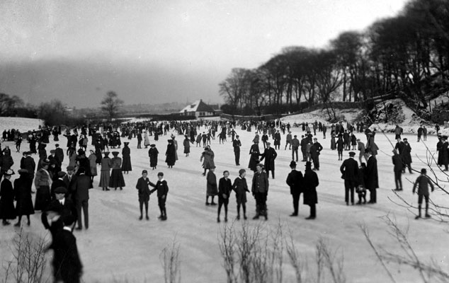 Skaters on Craiglockhart lower pond Edinburgh, 1907. Catalogue reference: COPY 1/508 (17)