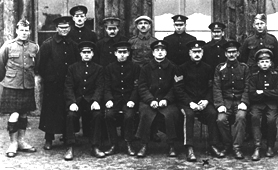 Photograph of prisoners of war in the First World War (catalogue reference: FO 383/413/20)