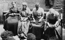 Women picking oakum in a workhouse (Catalogue reference: PRO 30/69/1663/38)