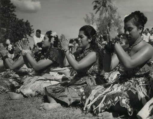 Tongan girls in a dance. Catalogue reference: CO 1069/666