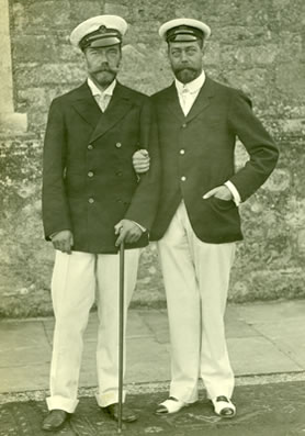 Tsar Nicholas II (left) with his cousin King George V (COPY 1/536)